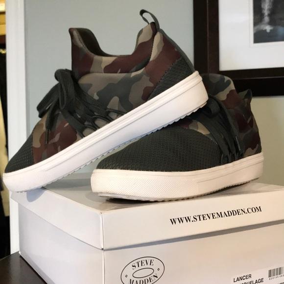 9429fbf8cb3 Steve Madden Lancer Camouflage Sneaker. M 5b674d6881bbc84353f232dc